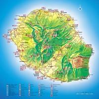 Carte de la Réunion avec des informations touristiques, les campings, les hotels, les golfs et les routes