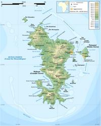 Carte de Mayotte avec les communes, les récifs, les agglomérations et l'altitude en mètre