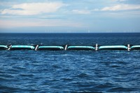 Photo du premier prototype du Ocean Cleanup