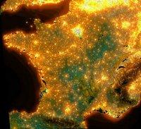Carte satellite de la pollution lumineuse en France