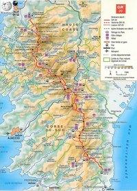 Carte de la Corse du GR 20 avec le relief, l'altitude, les hôtels, les refuges, les gîtes, les liaisons et les variantes